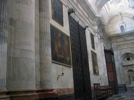 cadizcatedralinterior1_440.jpg